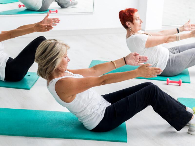 Donne in menopausa praticano sport per perdere peso
